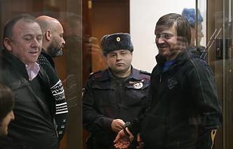 Подозреваемые в деле об убийстве Политковской в Мосгорсуде