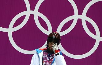 Российский спортсмен Александр Третьяков, завоевавший золотую медаль на соревнованиях по скелетону