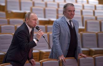 Владимир Путин и Валерий Гергиев в зрительном зале нового здания Мариинского театра