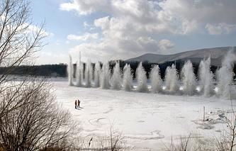 Подрыв льда на одной из российских рек