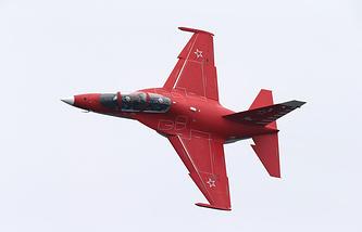 Учебно-тренировочный военный самолет Як-130