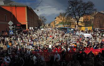 """Акция """"Бессмертный полк"""" в Санкт-Петербурге 9 мая 2014 года"""