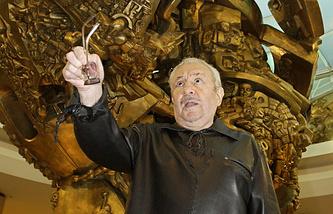 Скульптор Эрнст Неизвестный