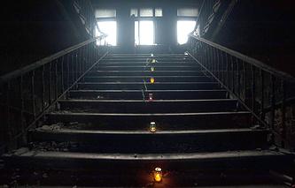 Поминальные свечи в доме Профсоюзов в Одессе