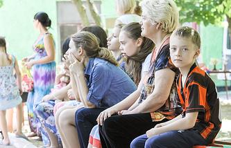 Ростов-на-Дону, 4 июня 2014 года, беженцы с юго-востока Украины на одной из улиц города