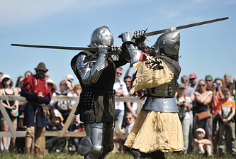 Лагерь средневековых воинов и русских ратников разных эпох