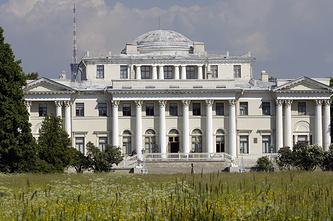 Елагинский дворец на Елагином острове