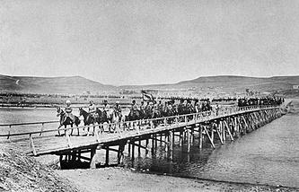 Российские кавалеристы в Тифлисе. 1914 год