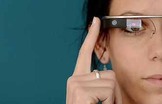В мае 2014 года компания Google представила новый прототип очков Google Glass в Праге