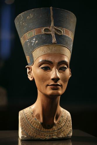 Бюст египетской царицы Нефертити