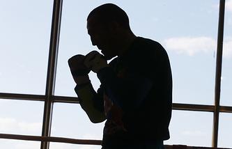 Денис Лебедев во время тренировки