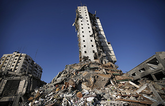 Последствия израильских авиаобстрелов в секторе Газа
