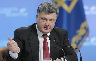 Петр Порошенко во время пресс-конференции