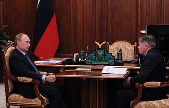 Президент России Владимир Путин и председатель Верховного суда РФ Вячеслав Лебедев