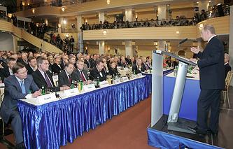 Президент России Владимир Путин во время выступления на 43-й Мюнхенской конференции. Февраль 2007 года