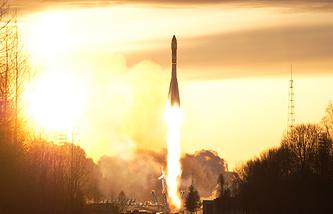 """Запуск ракеты-носителя """"Союз-У"""" со спутником военного назначения """"Космос-2450"""", 2009 год"""
