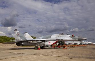 Самолеты ВВС РФ на территории воинской части в Липецке