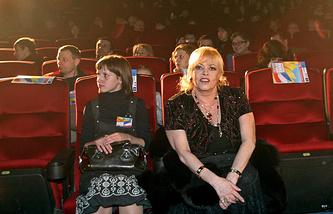 Актриса Мишель Мерсье (справа) на открытии фестиваля «Французское кино сегодня» в Ростове-на Дону в 2007 году