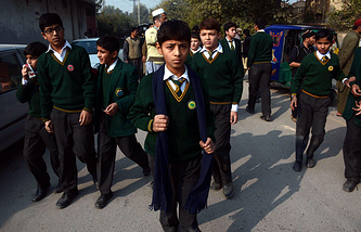 Пакистанские школьники