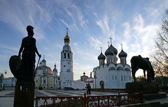 Вид на Кремль и Софийский собор в Вологде