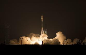 """Запуск ракеты-носителя """"Дельта-2"""" с базы Ванденберг в Калифорнии"""
