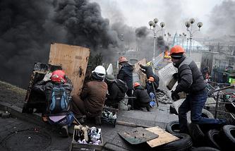 Площадь Независимости в Киеве, февраль 2014 года