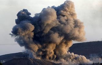 """Авиаудар по боевикам группировки """"Исламское государство"""" в восточной Сирии, 8 октября 2014 года"""