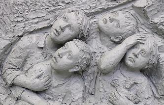 """Фрагмент макета барельефа """"Сталинградская битва"""" из композиции """"Вехи Великой войны"""""""
