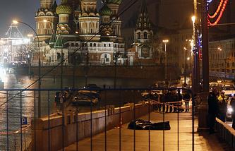 Место происшествия на Васильевском спуске в Москве, 28 февраля 2015 года