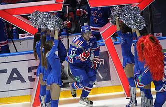 Игрок СКА Илья Ковальчук перед началом матча чемпионата КХЛ