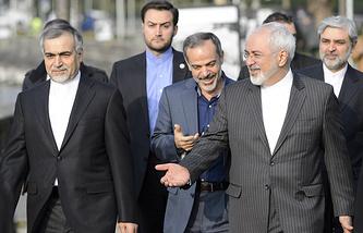 министр иностранных дел Ирана Мохаммад Джавад Зариф (справа)