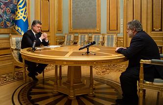 Президент Украины Петр Порошенко и губернатор Днепропетровской области Игорь Коломойский