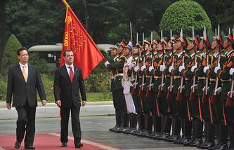 Премьер-министры Вьетнама и России Нгуен Тан Зунг и Дмитрий Медведев, 2012 год