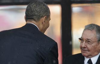 Президент США Барак Обама и председатель Госсовета Кубы Рауль Кастро