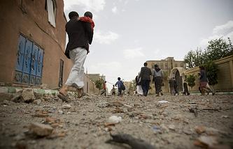 Последствия авиаударов в Сане, 8 апреля