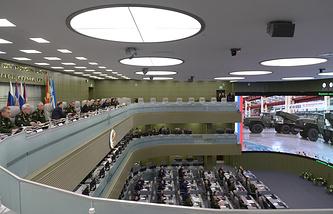 В Национальном центре управления обороной РФ, 17 апреля 2015 года