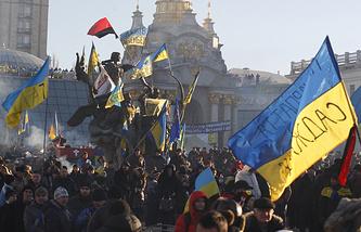 Сторонники евроинтеграции Украины на площади Независимости, 14 декабря 2013 года