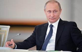 Владимир Путин на заседании советов по межнациональным отношениями и по русскому языку
