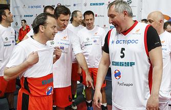 Вице-премьеры РФ Аркадий Дворкович и Дмитрий Рогозин