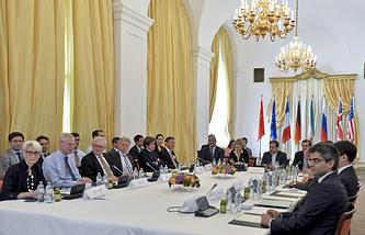 """Переговоры Ирана и """"шестерки"""" по ядерной программе в Вене. 12 июня 2015 года"""