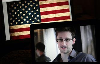 Эдвард Сноуден во время онлайн-конференции