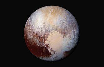 Изображение Плутона, составленное из снимков New Horizons