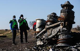 На месте падения Boeing в Донецкой области, 6 ноября 2014  года