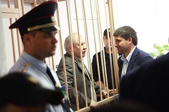 Бывший депутат Госдумы Михаил Глущенко (в центре)