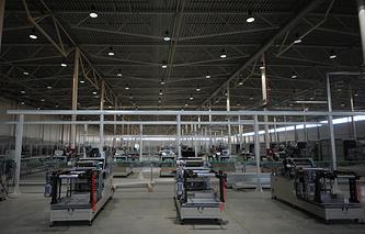"""В цехе завода по производству литиево-ионных батарей """"Лиотех"""""""