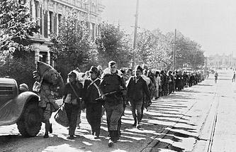 Пленные японcкие солдаты в Харбине, 2 сентября 1945 года
