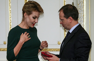 Актриса, режиссер и писатель Рената Литвинова и министр культуры РФ Владимир Мединский