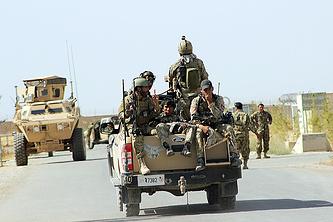 Солдаты афганской национальной армии возле города Кундуз, 30 сентября