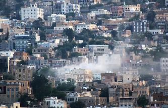 Город Таиз после обстрела