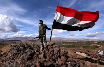 Боевое дежурство солдат сирийской армии в Эль-Кунейтра